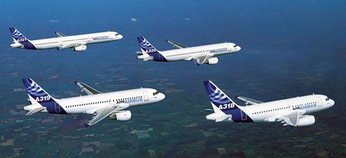 Famiglia Airbus A320: A318 (107-117 posti), A319 (124-144), A320 (150-180), A321 (185-220). Attualmente a Firenze opera voli di linea l'A319.