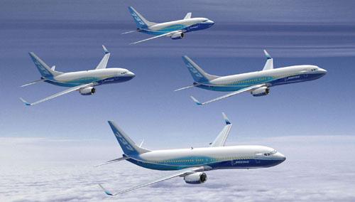 Famiglia Boeing 737: Boeing 737/600 (110-132 posti), Boeing 737/700 (126-149), Boeing 737/800 (162-189), Boeing 737/900 (180-215). A Firenze hanno operato per brevi periodi con voli di linea o per charter occasionali i Boeing 737/700 e 800.