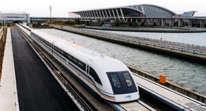 Il treno MagLev in servizio tra Shanghai e l'aeroporto internazionale di Pudong